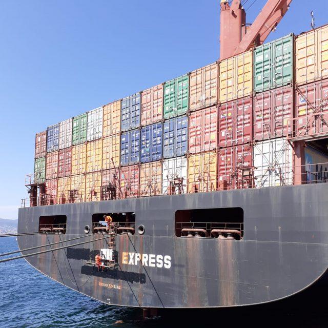 Cambio de bandera. El Charleston Express partirá del puerto de Vigo como el Velika Express